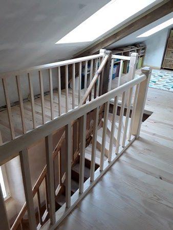 Garde corps autour de la trémie d'un escalier