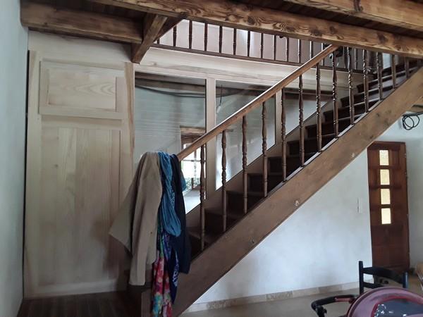 Rénovation d'un ancien escalier avec placard et cloison vitrée