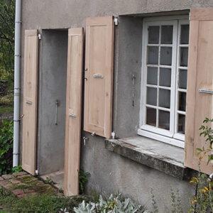 Volets de portes et de fenêtres à parement lisse